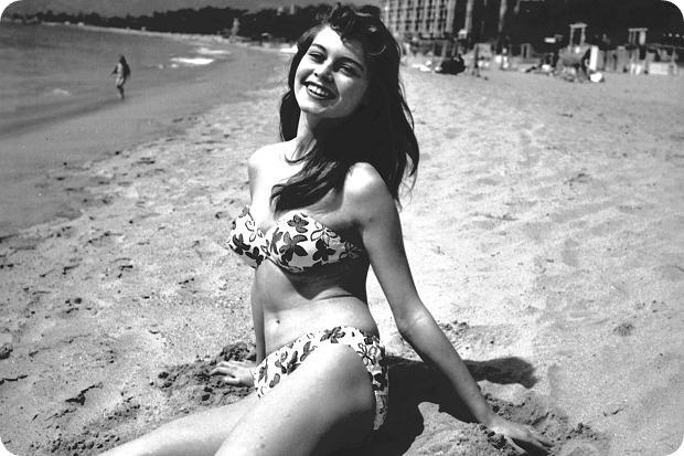 Brigitte Bardot az elhíresült bikinijében